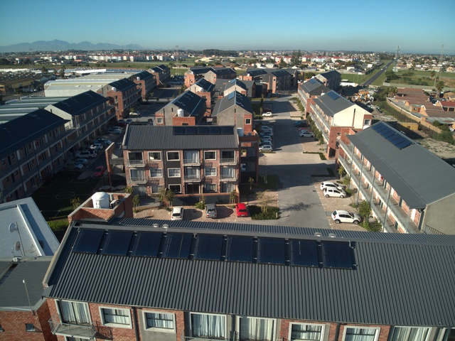 SOLTRAIN supports the installation of another 100 solar thermal demonstration systems